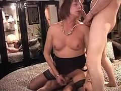 Men fuck mature tranny in stockings