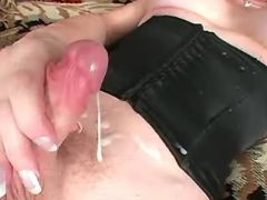 Pretty shemale masturbates and cums